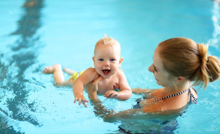 il bambino e il nuoto
