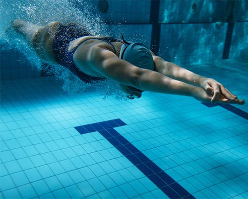 Corso di nuoto bambini e adulti
